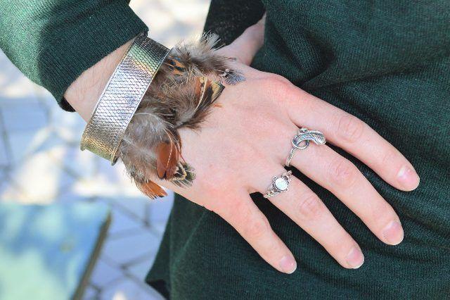 Bracelets de plumes de bricolage